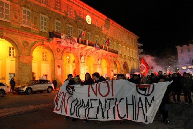 manifestazione-antifascista-2017-civitanova-11-650x433