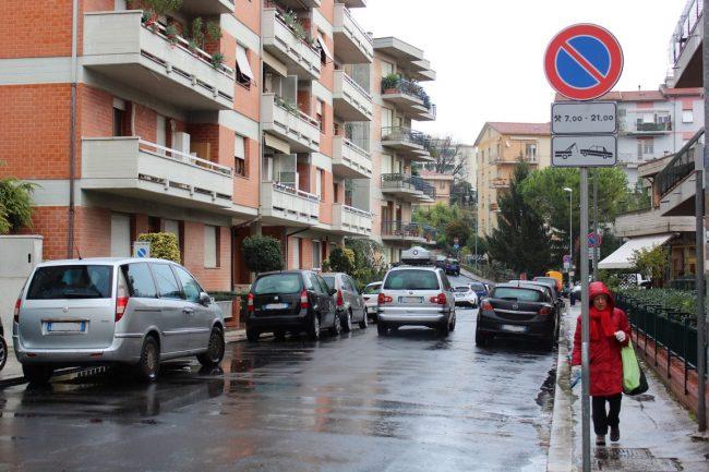 rione-marche-protesta-parcheggi-14-650x433
