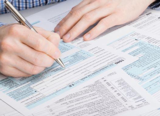 La startup ha un reddito di 100 mila euro, deve pagare 110 mila tasse alle autorità fiscali