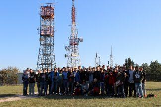 6-Visita-al-ripetitore-con-studenti-IIS-Fabriano-325x217