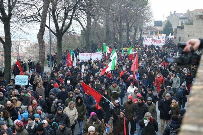 Corteo-antifascista-manifestazione-1-650x433