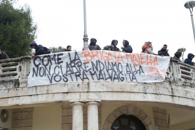 Manifestazione-antifa-Macerata-2-650x433