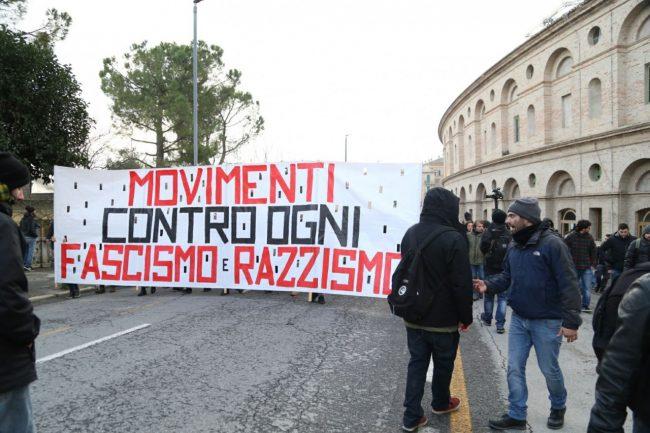 Manifestazione-corteo-antifascista-1-650x433
