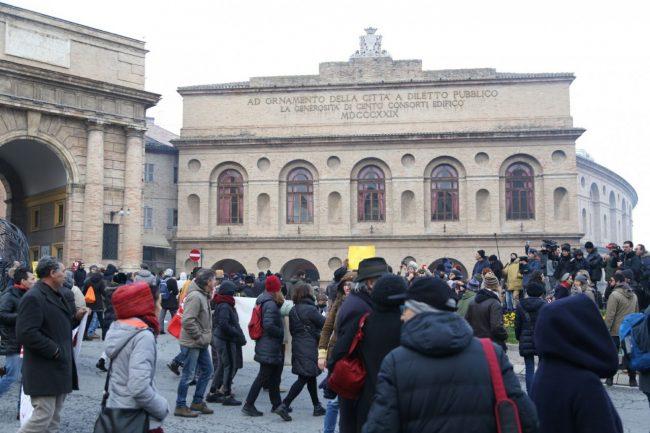 Manifestazione-corteo-antifascista-3-650x433
