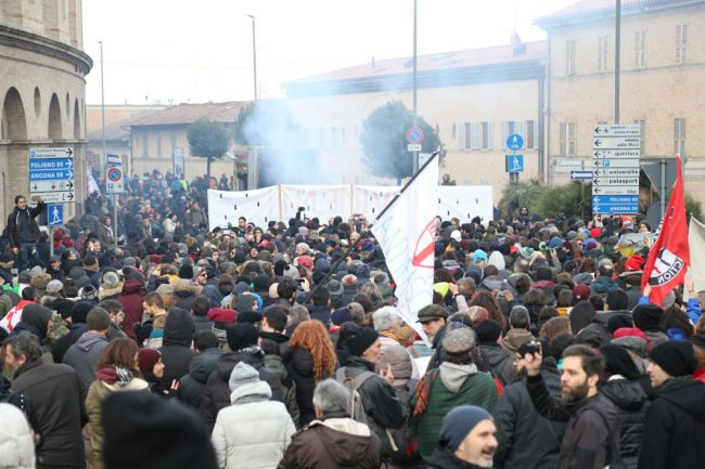Manifestazione-corteo-antifascista-5-650x433
