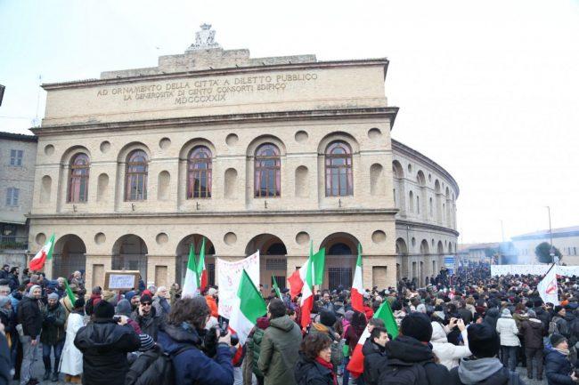 Manifestazione-corteo-antifascista-6-650x433