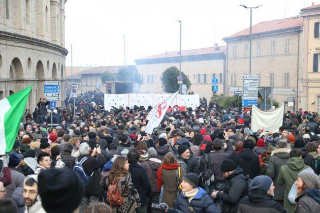 Manifestazione-corteo-antifascista-7-650x433