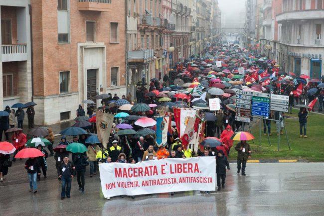Manifestazione_MacerataELibera_FF-27-650x434