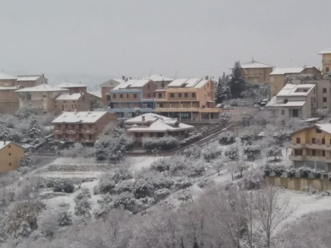 Monte-San-Giusto-neve-feb18-2-650x488