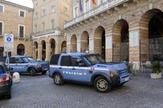 Polizia_PiazzaLiberta_FF-1-325x216