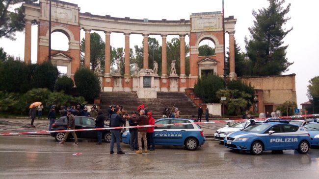 Sparatoria-macerata-monumento-caduti-spari-3-650x366