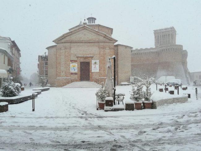 Urbisaglia-neve-2-650x488