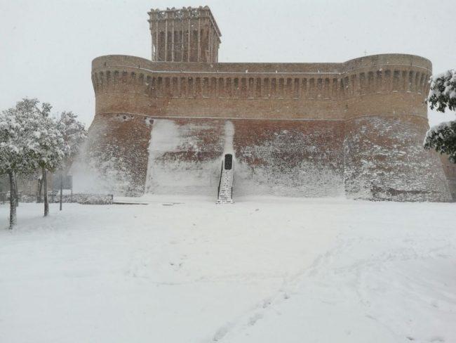 Urbisaglia-neve-3-650x488