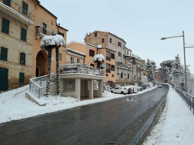 Urbisaglia-neve-7-650x488