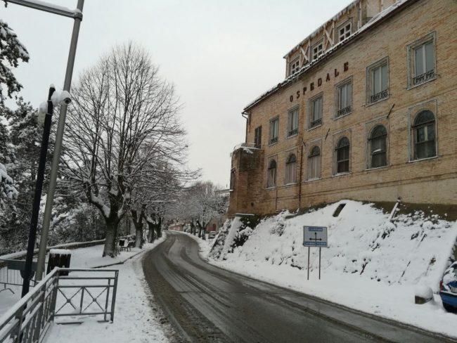 Urbisaglia-neve-8-650x488