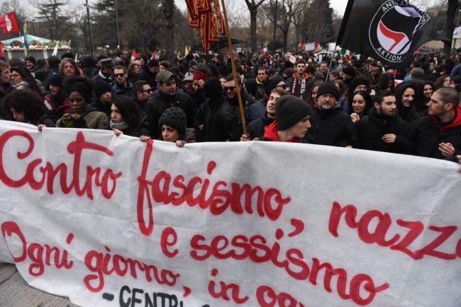 corteo-antifascista-macerata-FDM-7-650x434
