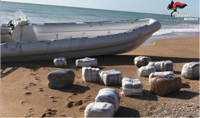 droga-spiaggia-porto-recanati-marijuana-2-1-650x385