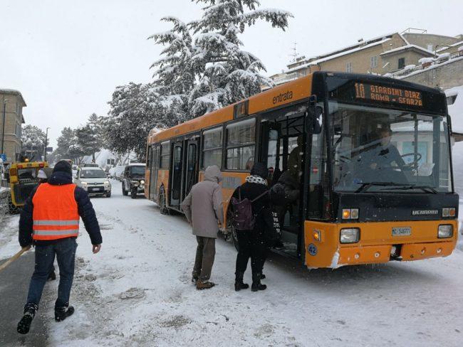 macerata-neve-ff-bus