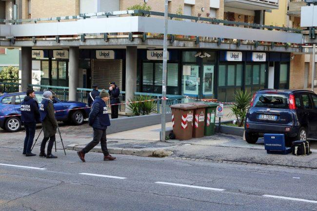 macerata-sparatoria-corso-cairoli-via-dei-velini-foto-del-brutto-1-650x433