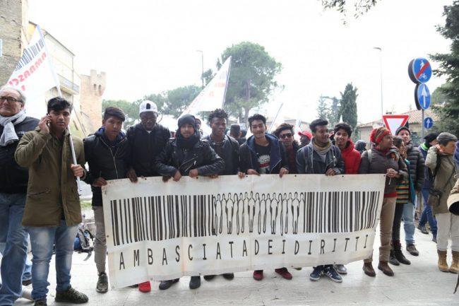 manifestazione_10_febbraio_ambasciata_diritti_ap4-650x433