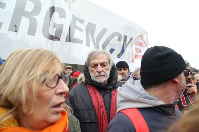 manifestazione_10_febbraio_gino_strada_fotoap2-650x433