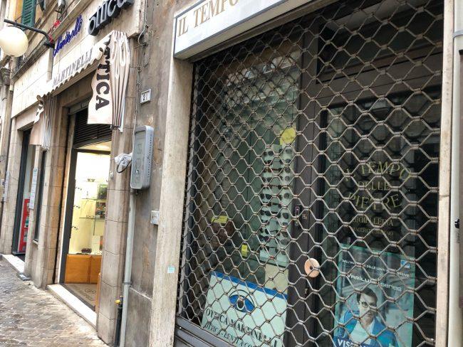 negozi-chiusi-macerata-blindati-2-650x488