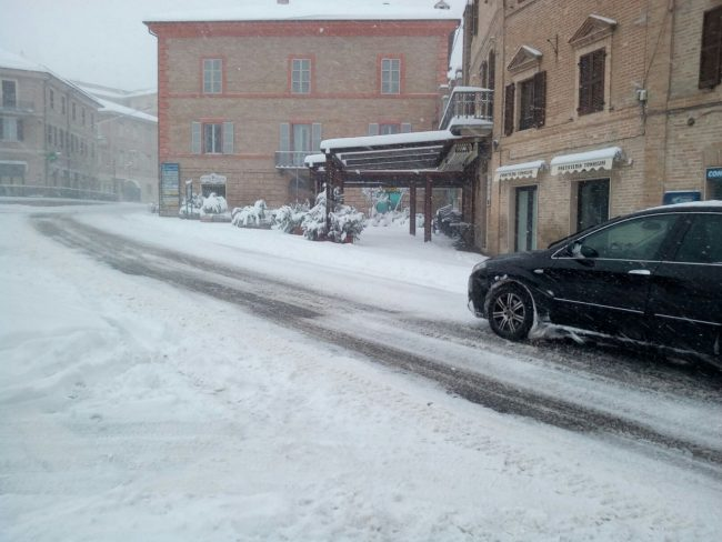 neve-Sarnano-piazza