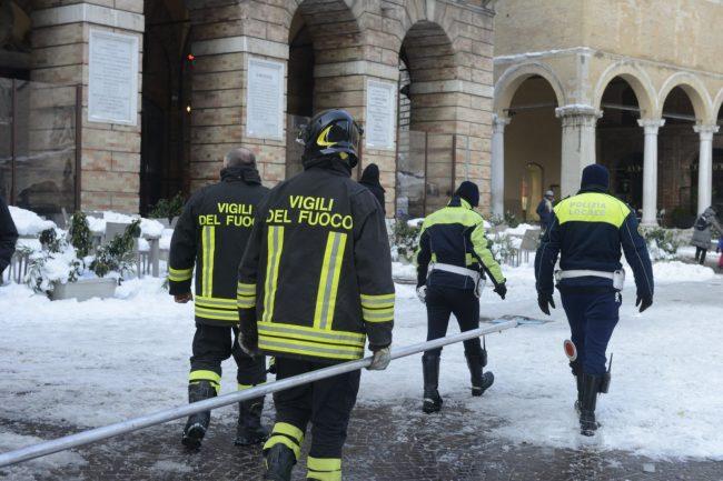 neve-interventi-vigili-del-fuoco-macerata-8-650x433