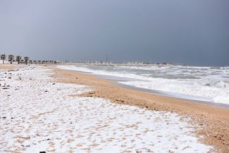 neve-spiaggia-sud-civitanova-FDM-12-325x217