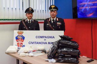 sequestro-droga-carabinieri-civitanova-FDM-11-325x217