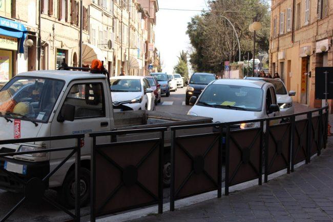 Corso-Cairoli-negozianti-protesta-Marco-Ribechi-2-650x433