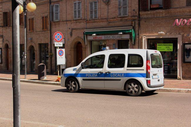 Corso-Cairoli-negozianti-protesta-Marco-Ribechi-5-650x433