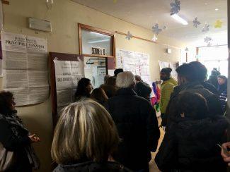 Elettori-in-fila-a-Civitanova