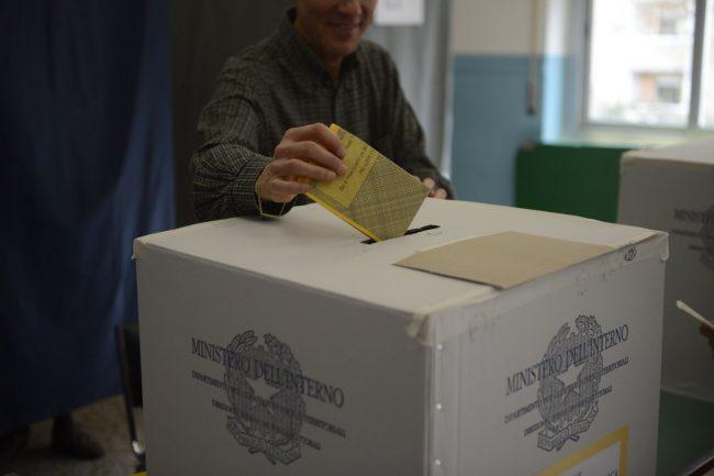 elezioni-4-marzo-2018-via-panfilo-ex-mattatoio-macerata-1-650x433
