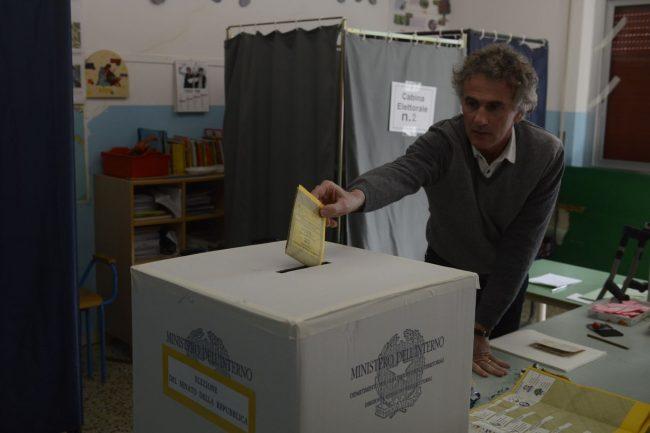 elezioni-4-marzo-2018-via-panfilo-ex-mattatoio-macerata-3-650x433