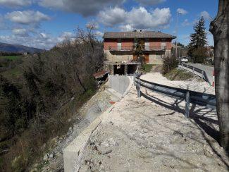 frana-gualdo-santangelo-in-pontano-2-325x244