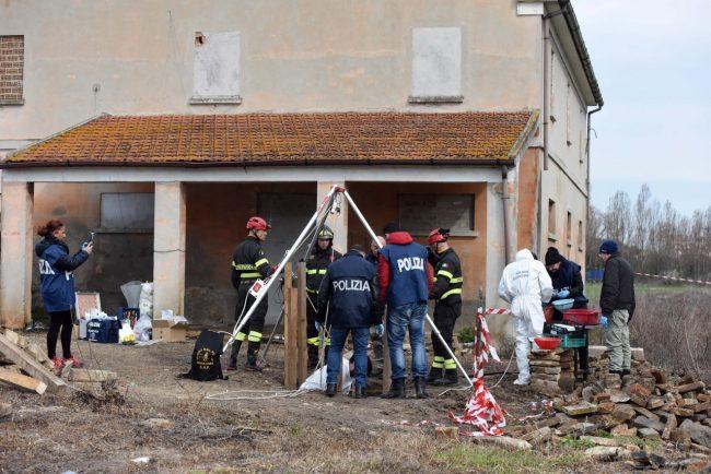 ritrovamento-ossa-scavi-h-house-porto-recanati-FDM-4-650x434
