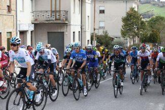 tirreno-adriatico-ciclismo-strada-per-arrivare-a-sarnano-2018-foto-ap-13-325x217