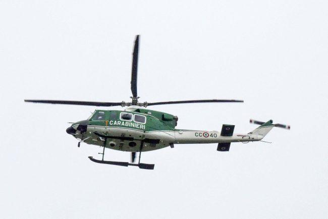 blitz-hotel-house-elicottero-carabinieri-porto-recanati-FDM-3-650x434