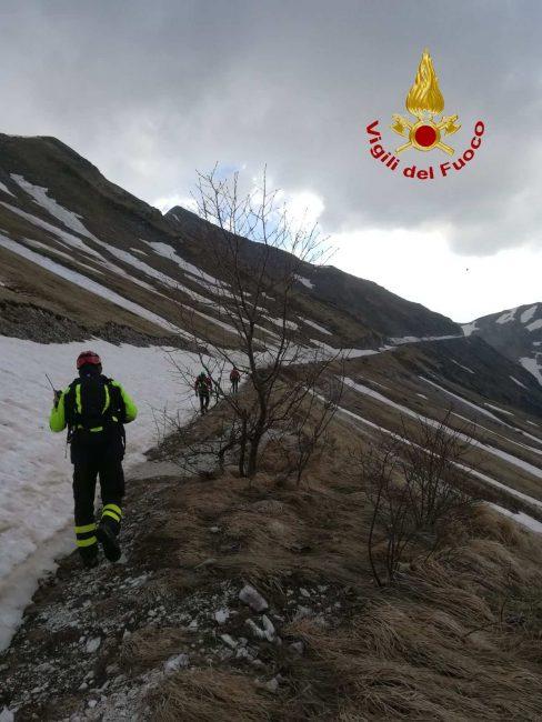 bolognola-fargno-soccorso-ciclista-10-488x650