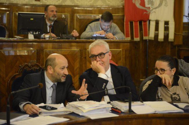consiglio-comunale-macerata-11-aprile-2018-10-650x433