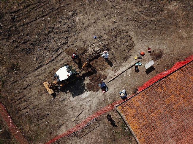 scavi-ritrovamento-ossa-scientifica-porto-recanati-FDM-18-650x488