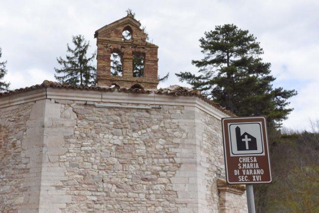 terremoto-10-aprile-2018-chiesa-s-maria-di-varano-muccia-FDM-25-650x434