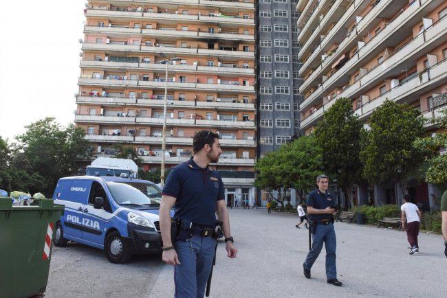 controlli-polizia-hotel-house-porto-recanati-FDM-6-650x434