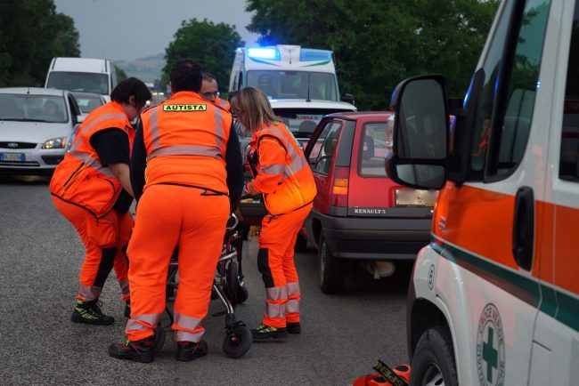 incidente-superstrada-zona-industriale-soccorsi-vdf-civitanova-FDM-2-650x434