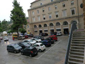 salesiani-cortile-parcheggio-1-325x244