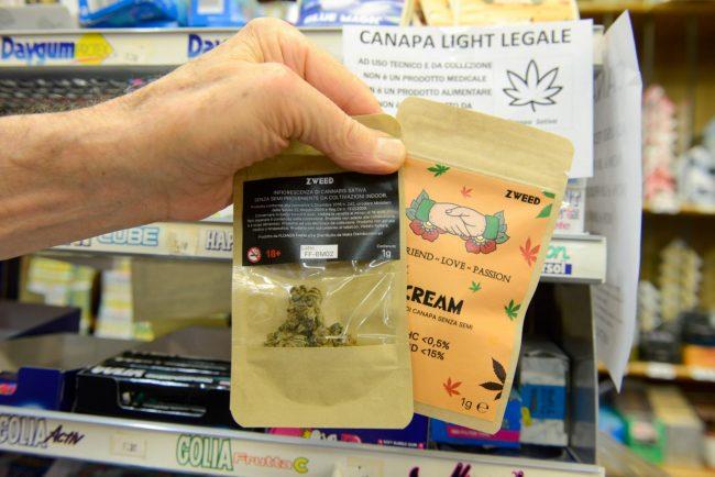 CannabisLegale_FF-7-650x434