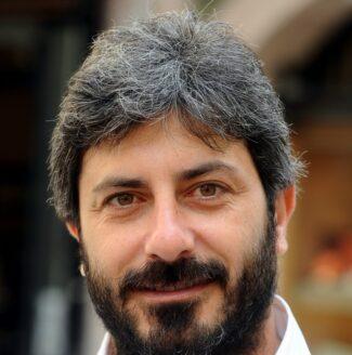 Roberto-Fico-e1611327389898-325x328