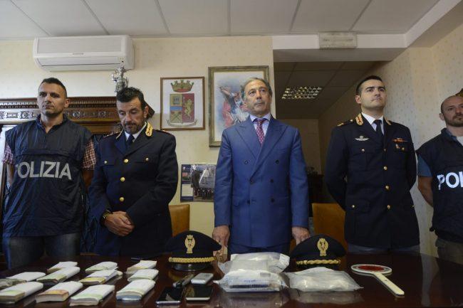 arresto-17-chili-cocaina-questura-2-650x433