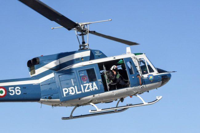 elicottero-polizia-archivio-arkiv-civitanova-FDM-2-650x433